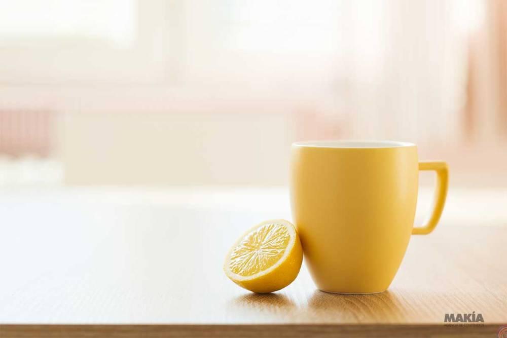 Lo-que-te-pasara-al-tomar-agua-de-limon-con-miel-en-ayunas-a-diario.jpg