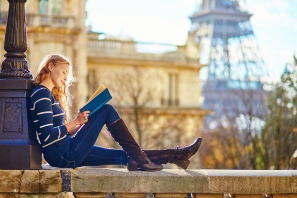 victor-hugo-los-miserables-chica-leyendo-600x400